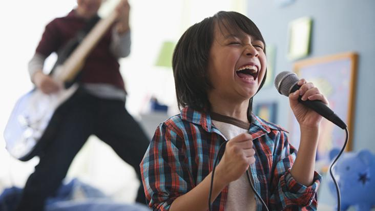 papi-cantando